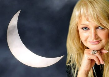 celebrity-bonnie-tyler-had-lasik-eye-surgery